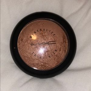 Limited Edition! Cheeky Bronze  Mineralized Powder
